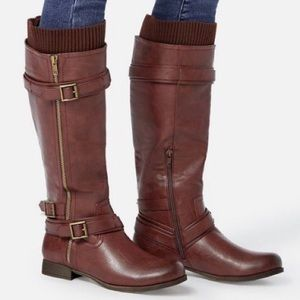 Burgundy sweater cuff boots